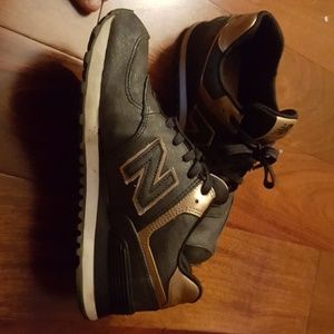 Black and rose gold new balance 574